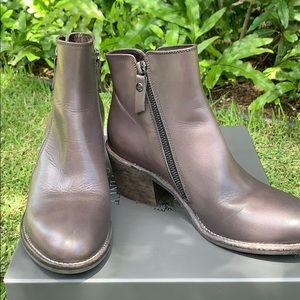 Attilio Giusti Leombruni Leather Ankle Boots